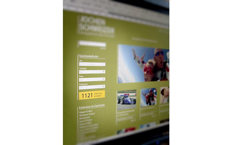 web-js-01.jpg